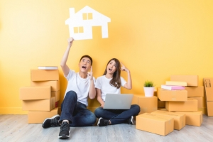 Essential Tips for Couples Moving in Together